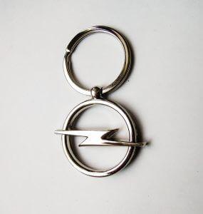 Opel kulcstartó