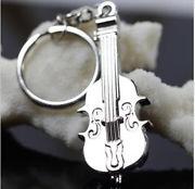 Hegedű kulcstartó