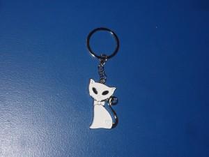 Cica kulcstartó fehér