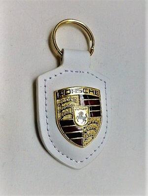 Porsche kulcstartó fehér alapon