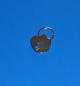 Apple alma kulcstartó kék kristállyal