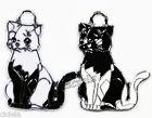 Cica fekete fehér kulcstartó