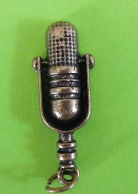 Mikrofon classic medál kulcstartó
