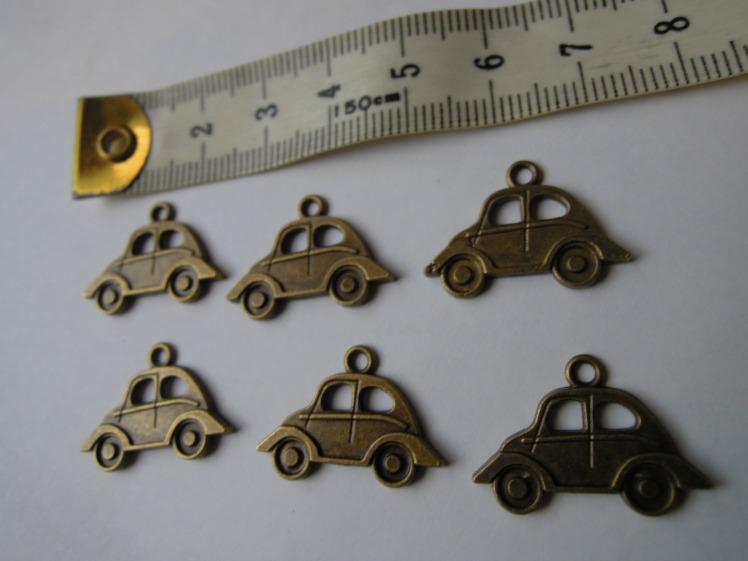 Autó medál kulcstartó bronz színben