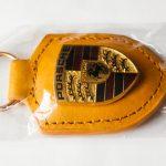 Porsche kulcstartó sárga