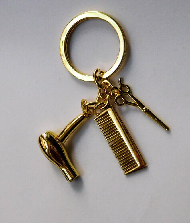 Fodrász olló hajszárító fésű kulcstartó arany színben