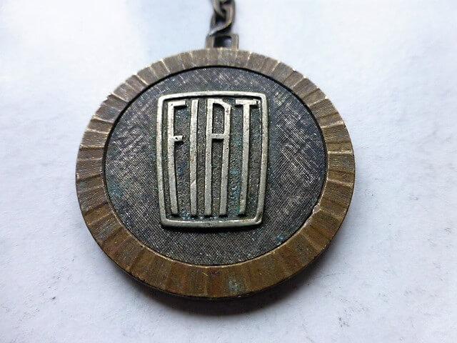 Fiat vintage kulcstartó