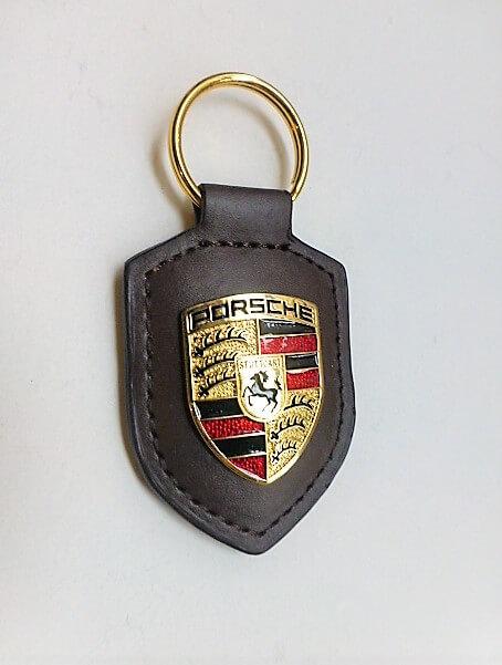 Porsche kulcstartó barna