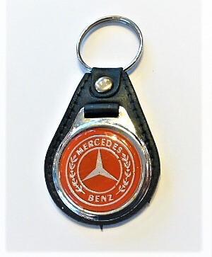Mercedes kulcstartó piros vintage